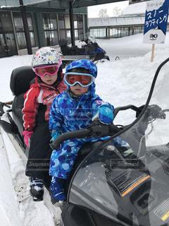 キッズ,雪,子供,寒い,二人,スノーモービル
