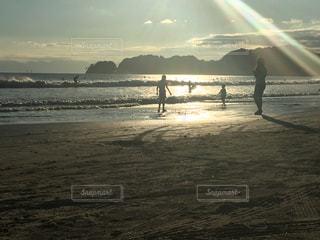 夕方の海の写真・画像素材[809565]