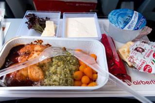 食べ物,食事,カラフル,テーブル,旅行,旅,食べる,人参,肉,テーブルフォト,機内食,海外旅行,にんじん,フライト,クラッカー,キャロット,座席,エアベルリン,AIR BERLIN,airberlin
