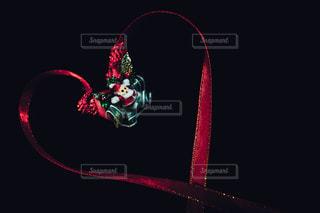 赤,黒,暗い,ハート,リボン,クリスマス,サンタクロース,シンプル,テーブルフォト,ダーク