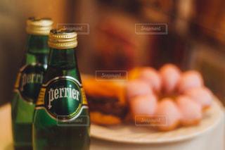 クローズ ボトルのアップの写真・画像素材[899095]