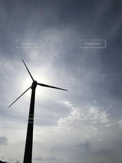 空,屋外,太陽,雲,風車,光,風,風力発電,景観,クラウド,タービン