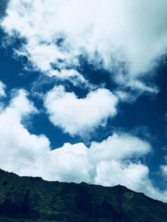 空,雲,青空,山,ハート,旅行,旅,幸せ,ハワイ,新婚旅行,車窓から,ハート雲