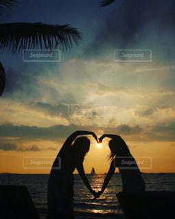 海,空,夕日,雲,水平線,シルエット,ハート,旅行,旅,幸せ,ヨット,ヤシの木,ニューカレドニア,サンセット,女子旅,グラデーション