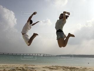 全力ジャンプの写真・画像素材[2282298]