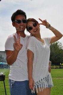 白Tシャツ×ジーンズの写真・画像素材[3511386]