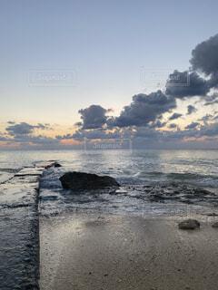 自然,風景,海,空,屋外,太陽,ビーチ,雲,夕暮れ,水面,沖縄,国内旅行