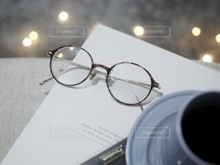 メガネのある生活の写真・画像素材[3711386]