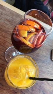 テーブルの上のオレンジのボウル - No.928612