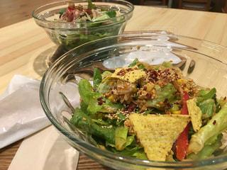 ランチ,テーブル,野菜,サラダ,料理,お昼,lunch,Green,shinjuku,メキシコ料理,tasty,salad,avocado,margo,taco salad