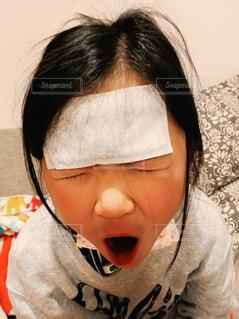 子どもの発熱の写真・画像素材[316810]