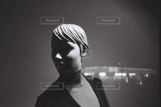 ショーウィンドウのマネキンの写真・画像素材[736197]