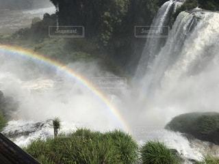滝に虹がかかったの写真・画像素材[808803]