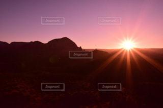 背景の夕日の写真・画像素材[1004746]