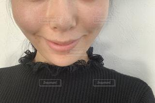 笑顔の素っぴんの女性の写真・画像素材[1734393]