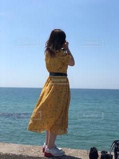 カメラと海との写真・画像素材[2377183]