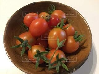 食べ物,トマト,野菜,食品,ベジタリアン,家庭菜園,収穫,食材,フレッシュ,焼き物,ベジタブル,ボウル,ビーガン,ローフード,チェリートマト