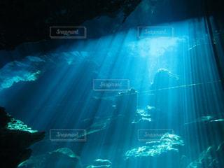 光のカーテンの写真・画像素材[2345035]