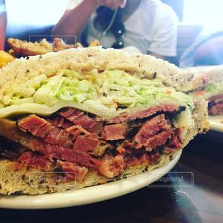 アメリカ,サンドイッチ,ロサンゼルス,おいしい,happy,コールスロー,パストラミ