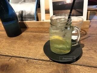 いつものカフェでネモネード - No.931584