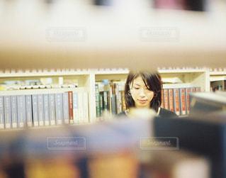 大好きな図書館で。 - No.737303