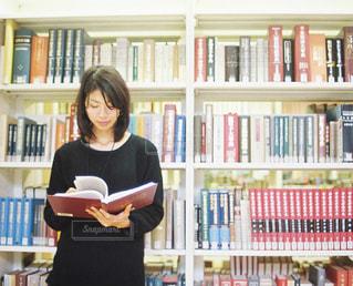 大好きな図書館で。 - No.737322
