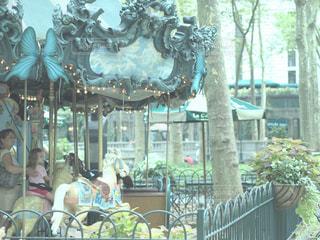 回転木馬 メリーゴーランドの写真・画像素材[1005322]