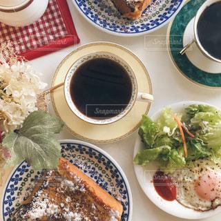 カフェでフレンチトーストの写真・画像素材[1149065]