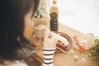 コーヒーと女性の写真・画像素材[1258114]
