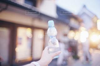 夏祭りで買ったラムネのの写真・画像素材[1414249]