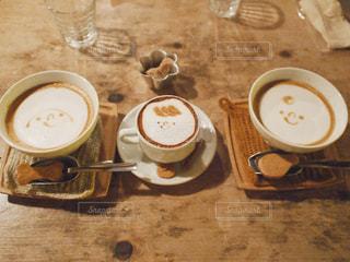 かわいいカフェラテのの写真・画像素材[1414268]