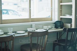 雰囲気の良いカフェの窓際。の写真・画像素材[2251833]