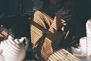 ブラインドの影の写真・画像素材[2874865]