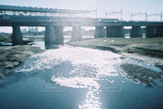 水面と陸橋の写真・画像素材[2932320]