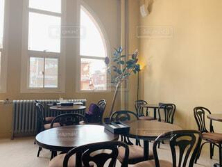 開放感のあるカフェの写真・画像素材[4455083]