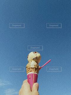 コーンアイスのダブルの写真・画像素材[4455096]