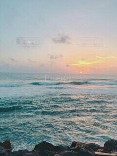 自然,風景,海,空,屋外,海外,ビーチ,雲,水面,旅行,旅,大洋,海外旅行,スリランカ,テキスト,インド洋,スクリーン ショット,シースケープ