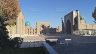 ウズベキスタン・サマルカンドにあるレギスタン広場の写真・画像素材[4642919]