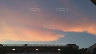 夕空のタイムラプスの写真・画像素材[4642925]
