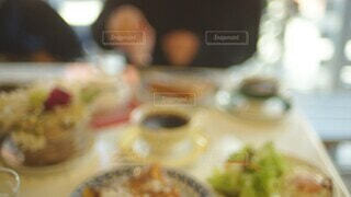 友達とのカフェのひとときの写真・画像素材[4644091]