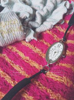 ボーダー,腕時計,時計,レトロ,朝,タオル,時間,ストライプ,ウォッチ,時刻,予定,支度,ヘアバンド,身支度,ヘアーバンド,パイル,楕円形