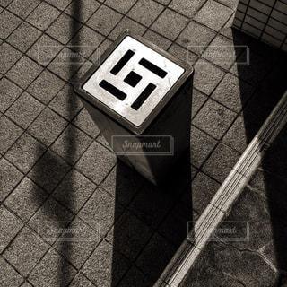 黒と白のタイルの写真・画像素材[742627]