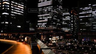 東京駅前の美しき夜景に一目惚れ。の写真・画像素材[1700660]