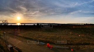 風景,空,太陽,雲,夕暮れ,光,草,関空,関西国際空港,りんくうタウン,殺風景,連絡橋