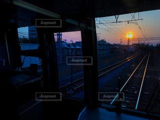 空,太陽,電車,線路,夜明け,光,日の出,鉄道,出張,車両,始発