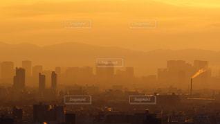 空,建物,屋外,太陽,夜明け,光,タワー,朝焼け,都会,高層ビル,日の出,大都会,元日