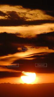 自然,空,屋外,太陽,雲,夕暮れ,オレンジ,光,夕陽,夕景,サンセット,天国,コントラスト