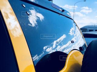 青空,車,車窓,ドライブ,運転,おでかけ,スピード