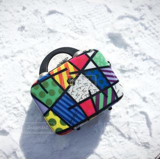 雪のボードを持っている人の写真・画像素材[1041356]