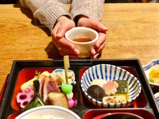 クローズ アップ食べ物の皿とコーヒー カップの写真・画像素材[1055156]